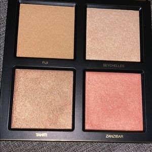 HUDA BEAUTY Makeup - Huda beauty 3D highlighter palette golden sands